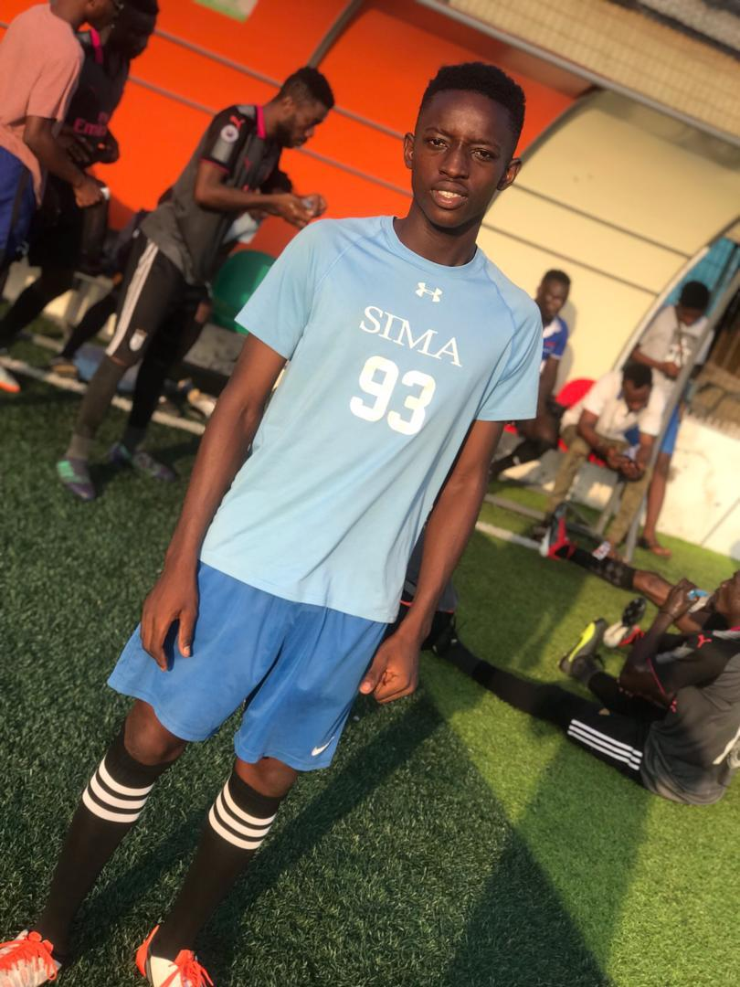 His name is Daniel (Impellers FC) and like a lion, he tore opponents apart with his trickery. He's been nominated for the MetGala Ballon D'or. Keep your fingers crossed, winner will be announced soon. <br>http://pic.twitter.com/9spH0YOdIG