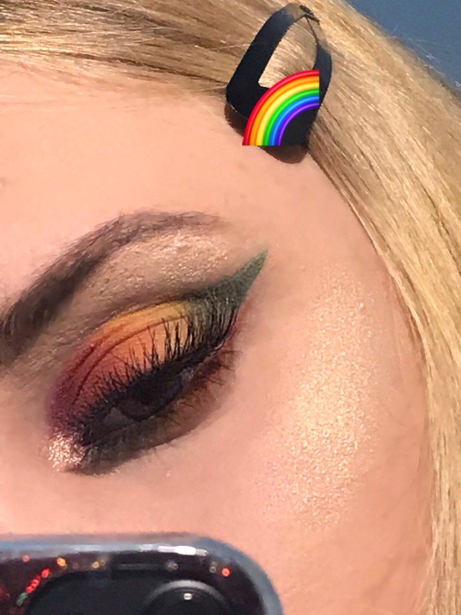 🌈 #pride #LGBTQ #LGBTQoftwitter #PrideMonth