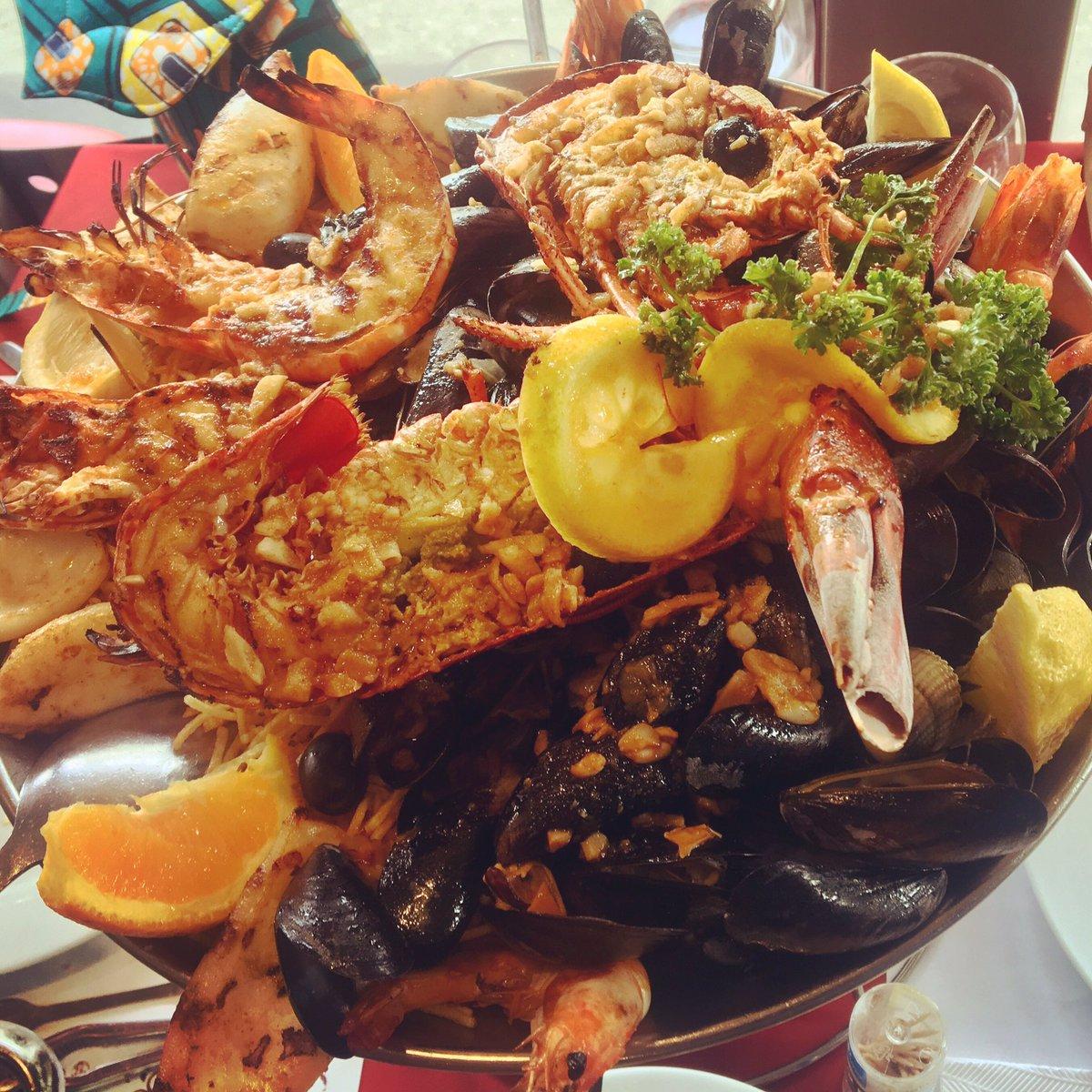 Quand on te fait découvrir le #PedraAlta… #bondimanche #instafood #yummy #miammiam pic.twitter.com/BCOZyw6gmI