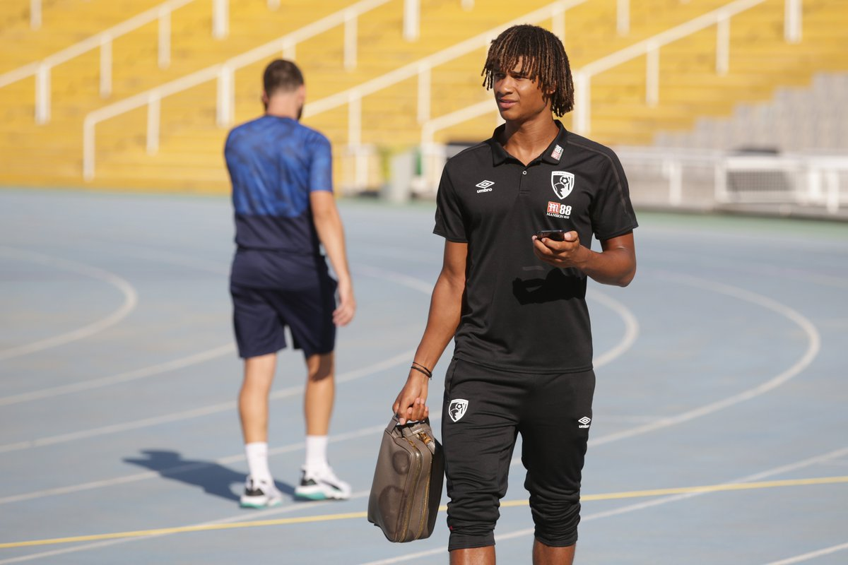 We see those skills, @NathanAke 👀 Go behind the scenes of yesterdays friendly with Girona 👉 bit.ly/bts-girona #afcb 🍒