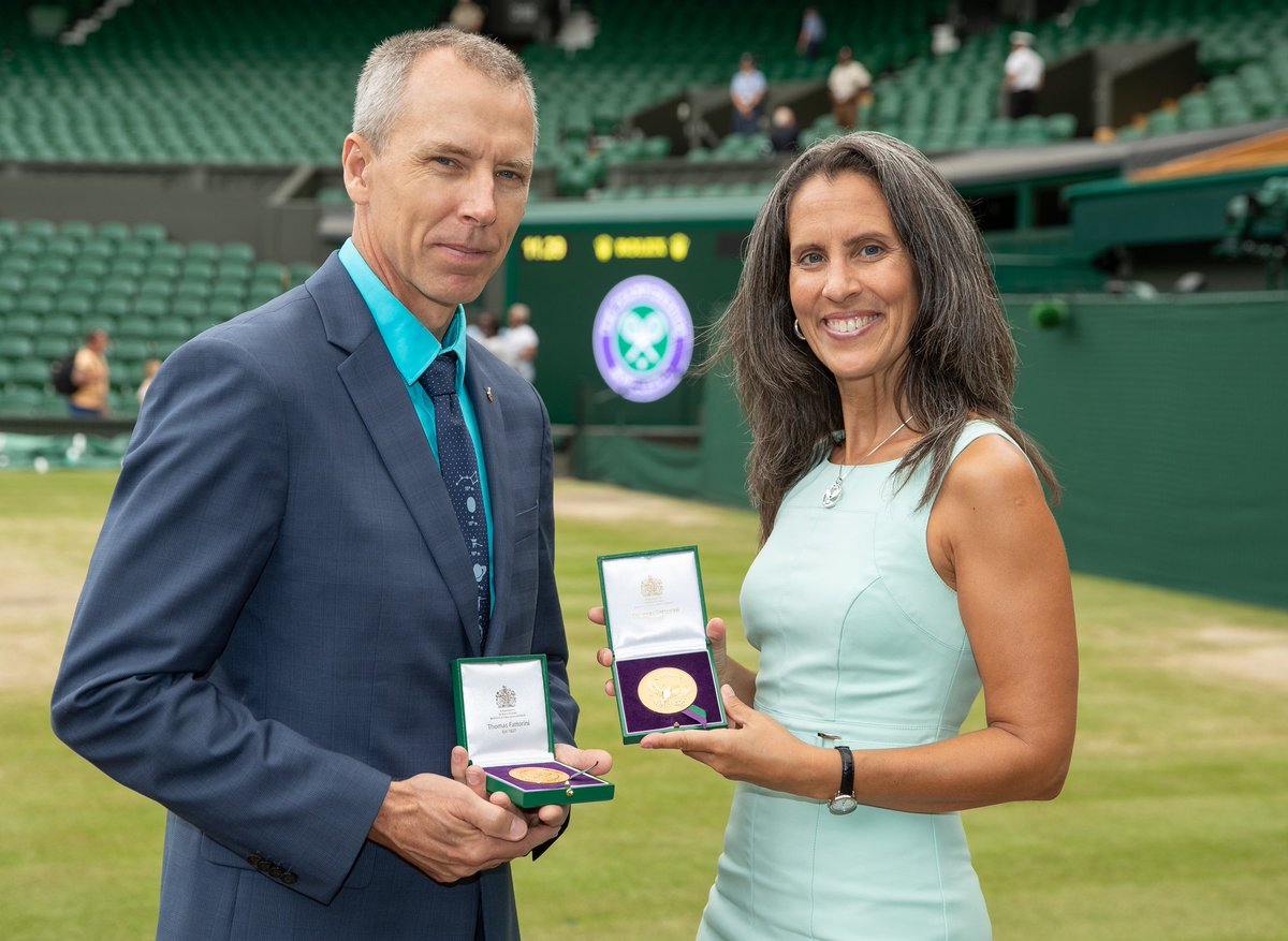 So exciting! @rogerfederer vs. @DjokerNole @Wimbledon finals today.Hope you catch Omar during the #WimbledonCointoss.The medallions went to space w. Cmdr.@astro_feustel.He played #TennisInSpaceForTheFirstTimeEver on #Exp56. #ScienceIsEverywhere #JoinTheStory  @WimbledonFdn <br>http://pic.twitter.com/VH0k1ILfXO