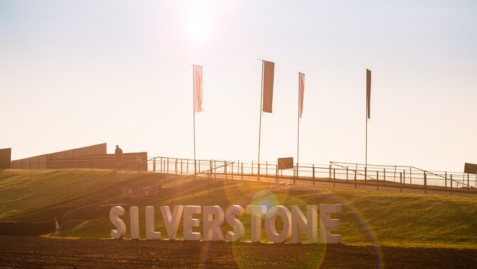 Were you here super early this morning?? We want all fans to get in touch and tell us what time you arrived & send us some photos using #mysilverstone