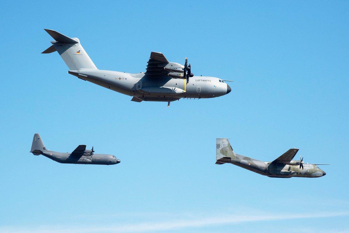 La coopération européenne dans le domaine de l'aéronautique militaire est une réalité éprouvée au sein de l'Europe de la Défense : elle concerne aussi bien la formation des équipages et des mécaniciens que leur entraînement dans le cadre d'exercices communs.