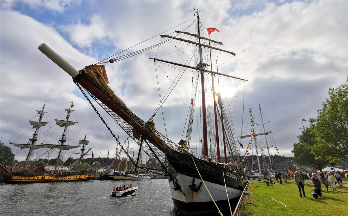 Quite a sight! The #TallShipsRaces in #Fredrikstad 😍 They are leaving today for #Bergen - bon voyage ⛵ @TallShipsRaces #TSR2019 @Fredrikstadkomm @ostfoldfk @visitBergen @visitnorway (photo Marie Peyre)