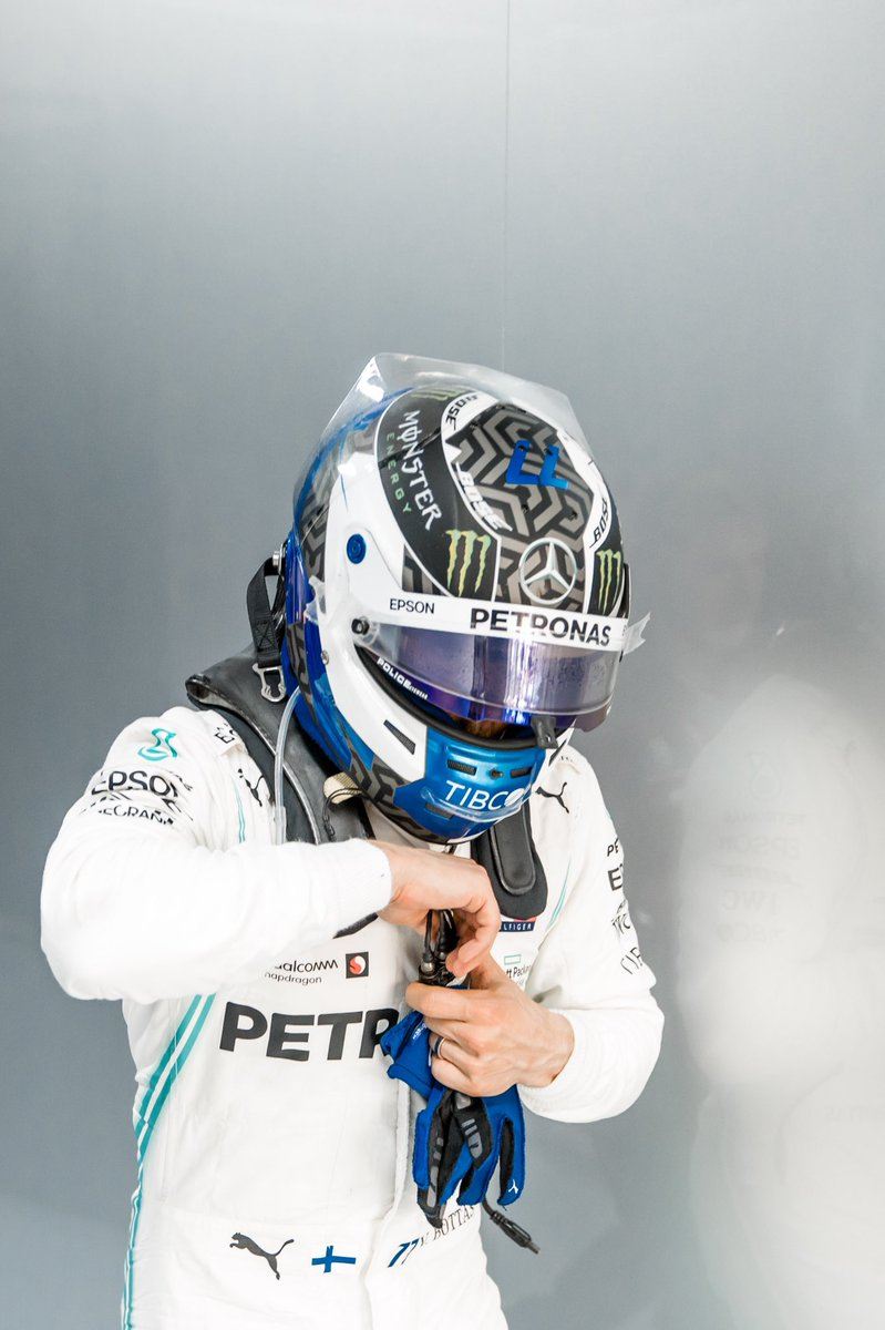 Race day 🏁  Let's do this 💪🏼  #VB77 #F1 @MercedesAMGF1