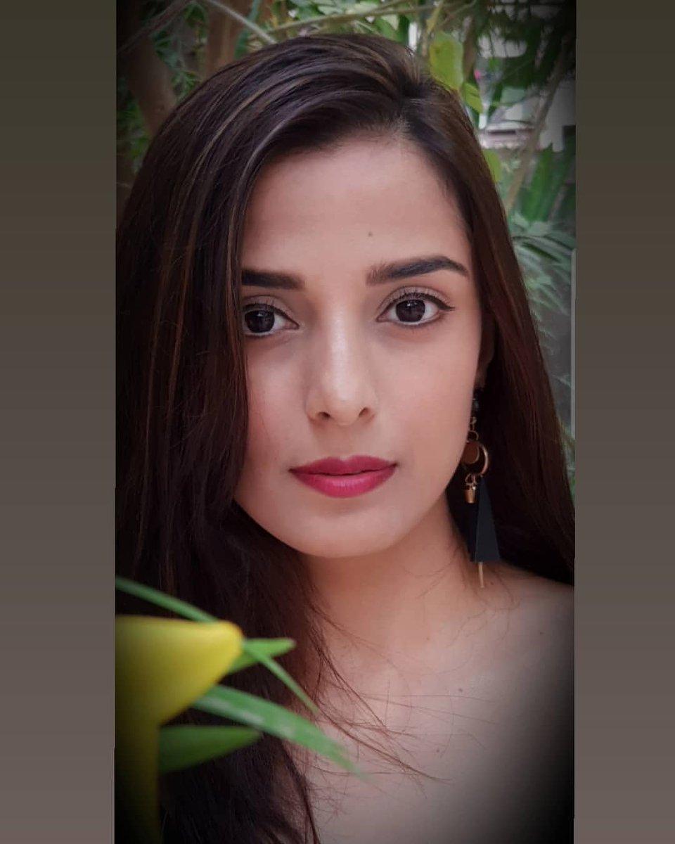 Pooja Sharma FC (@PoojaSharma_FC) Twitter Profile • sTwity