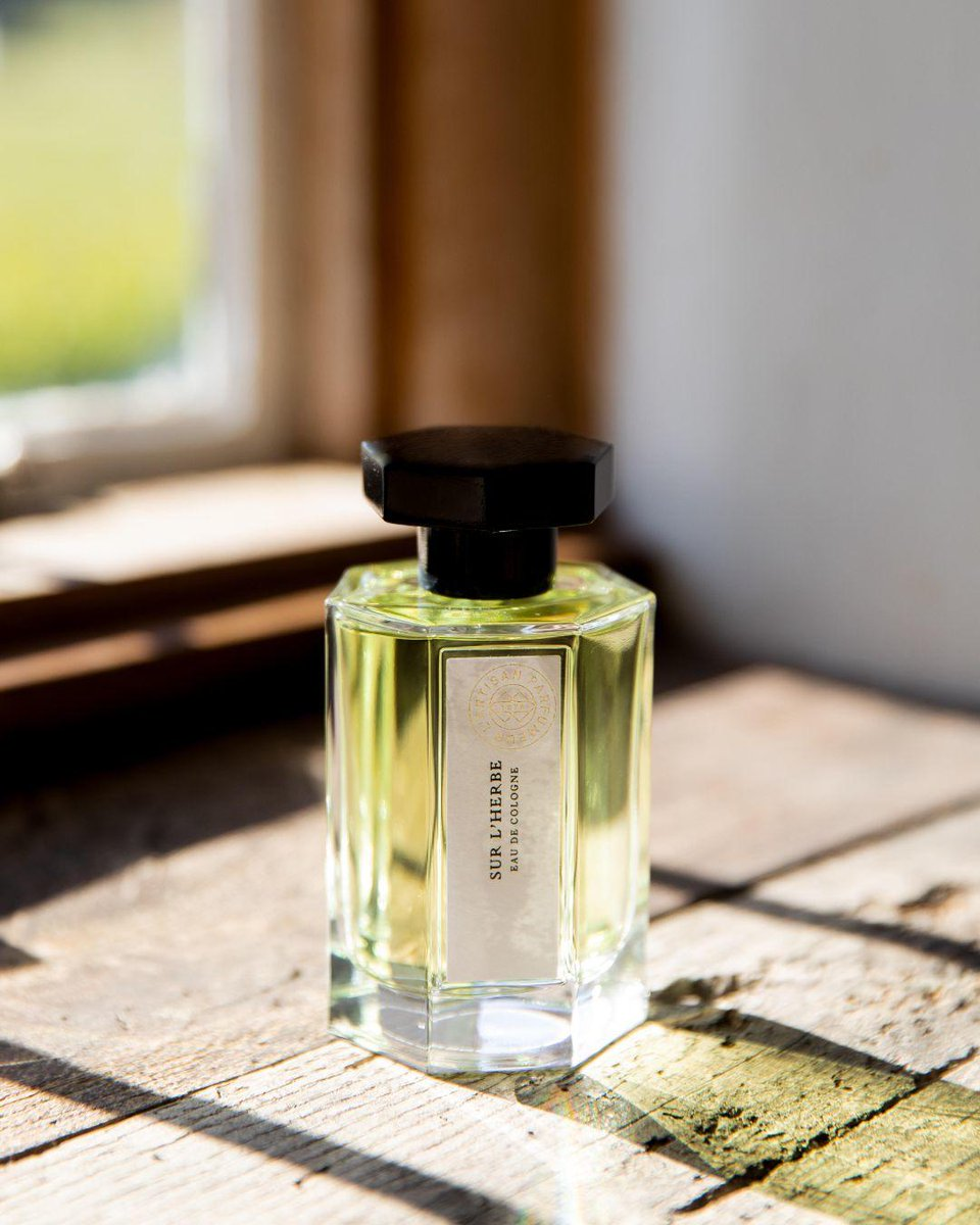 SUR L'HERBE | A cologne inspired by Edouard Manet's Déjeuner sur l'Herbe, evocative of an impressionist nature. A crystalline and solar freshness, softened with a touch of musks. https://t.co/vAujrwGvbj https://t.co/QBSEpRj6dW