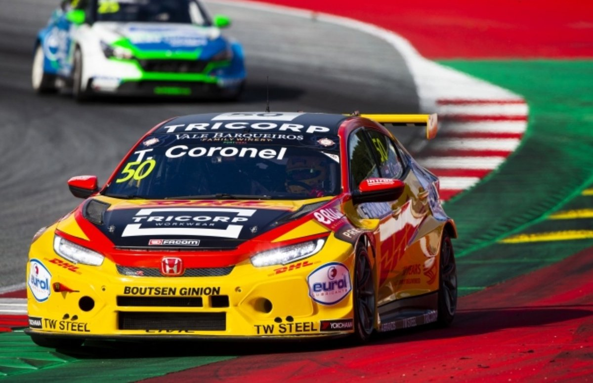 ⬇️ @BoutsenGinions @TomCoronel held the lead for much of the race in his Civic #TypeR, but a time penalty unfortunately drops him to P18.