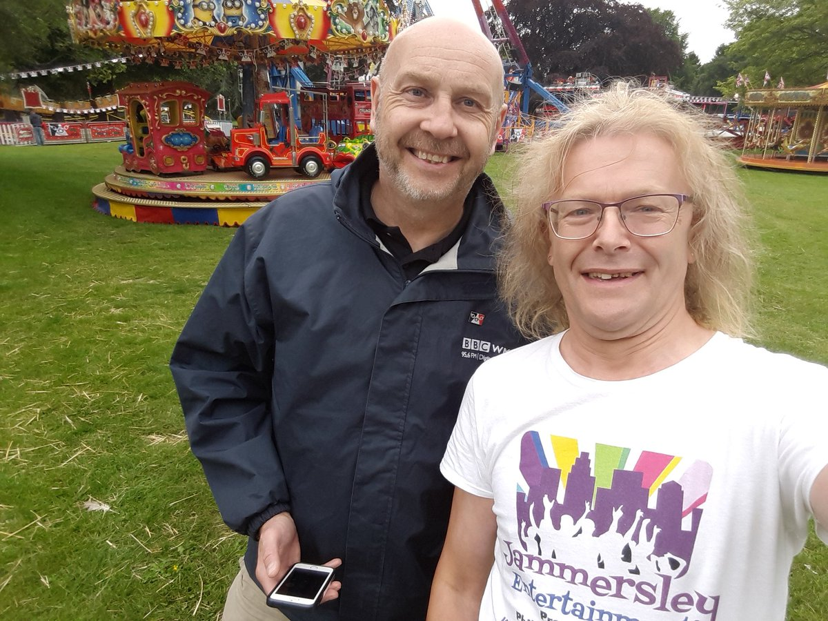 Here I am back at #HimleyHall preparing our next lot of kids Lego workshops for the #Musicom event for #BlackCountryDay and I bump into @DazHaleWMpic.twitter.com/MBacB0InxD