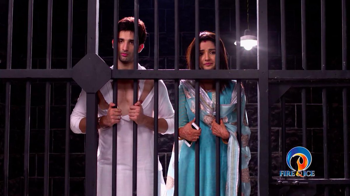 What did Twinkle do to land Kunj and herself in jail? To