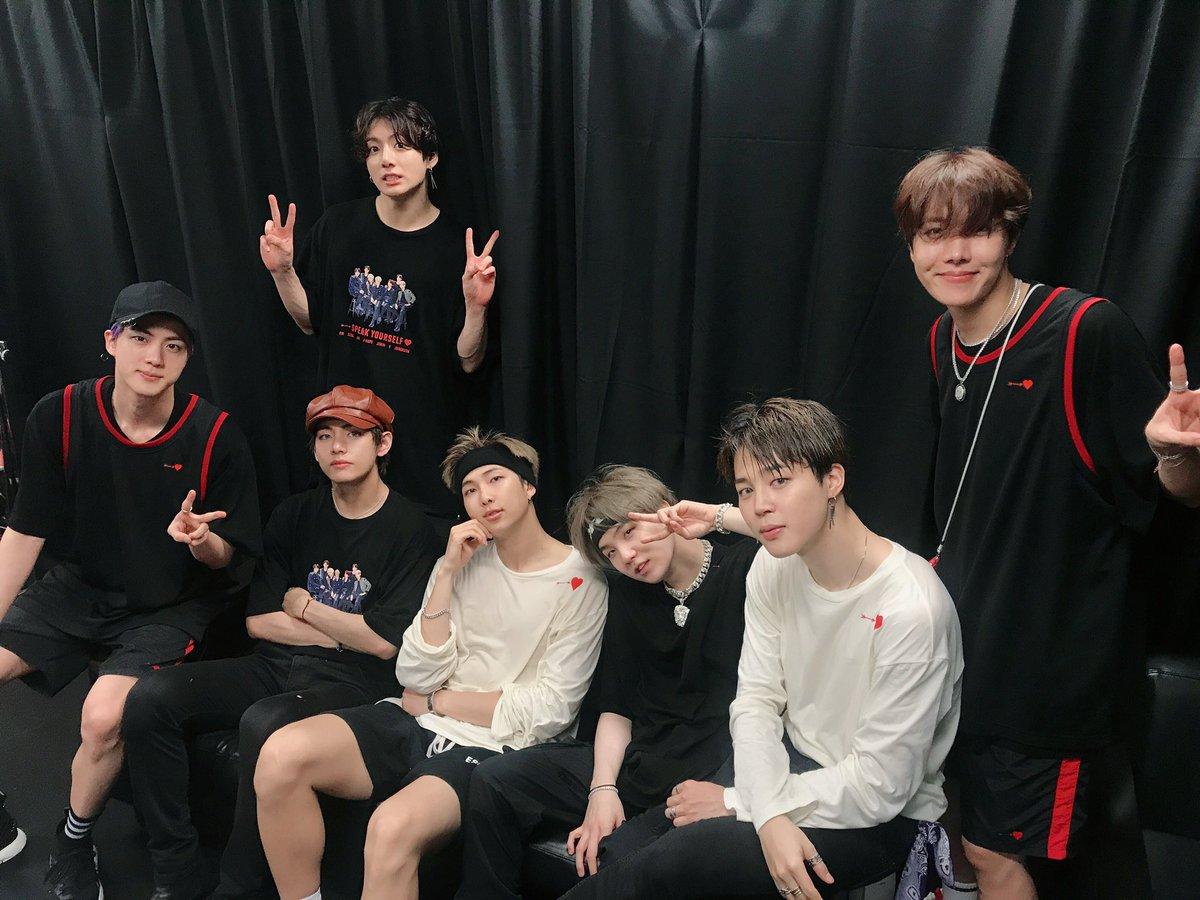 #BTS WORLD TOUR 'LOVE YOURSELF: SPEAK YOURSELF' – JAPAN EDITION スタジアムツアー最終公演が終わりました😭💕みなさんと一緒に見てきたこの風景は、僕たちの目と心にしっかり焼きつけます! 今日はいい夢見てね。ARMYしてる💜