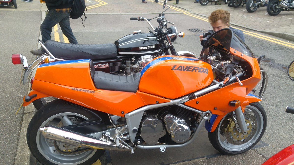 RD400 - Twitter Search