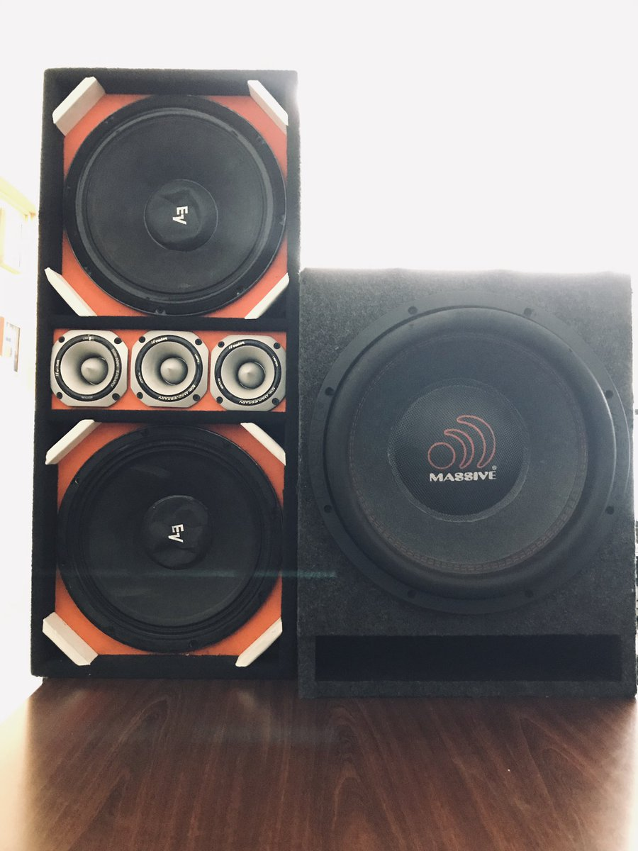 In a joint operation with the 43rd Precinct NCO's, NCO Boy confiscated these speakers from a vehicle on Waterbury & Seabury Avenue, playing music  extremely loud & causing a nuisance to the neighborhood. #NYPDProtecting #NYPDConnecting<br>http://pic.twitter.com/b7nrMUJk3y
