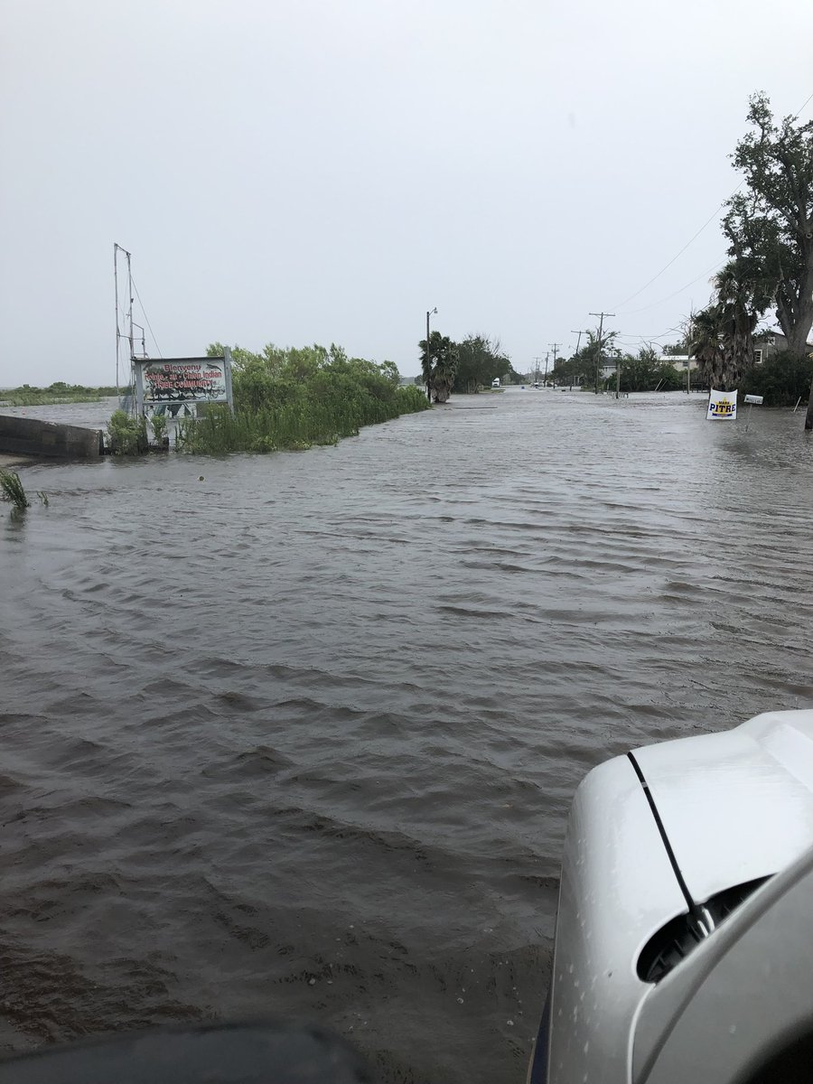 #Barry impacts: 3 levees overtopped in Louisiana, over 150,000 homes, businesses without power. https://wxch.nl/2JxKJV1