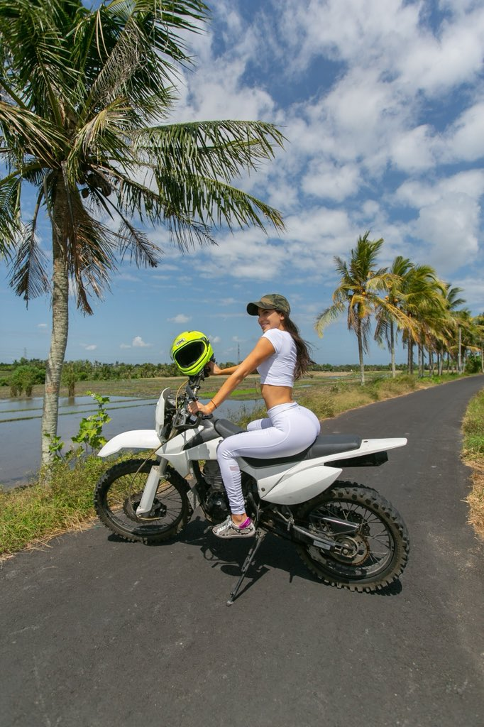 Off road in the Balinese jungle and loving it  <br>http://pic.twitter.com/wD7tOVo65W
