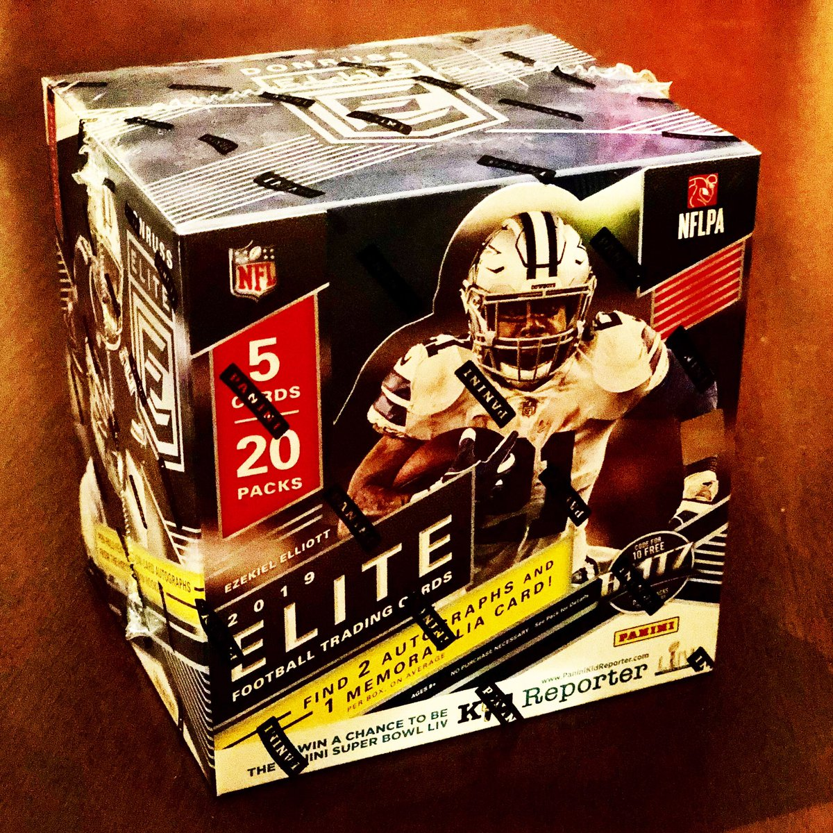 GIVEAWAY:  Win this unopened box of 2019 Elite Football from @PaniniAmerica   2Win: Like & RT this post, but most importantly - you must be subscribed to the PG YouTube channel:  http://youtube.com/user/PackGeek  Winner announced Fri 7/19 #TheHobby #Collect #SportsCards #Giveaway