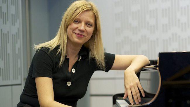 "Great encores: Valentina Lisitsa plays ""La campanella"" from Liszt's Six Grandes Etudes de Paganini (in Seoul, after playing a three-hour recital!)... https://bit.ly/2Y32WSu #liszt #lacampanella #valentinalisitsa #seoul #piano #classicalmusic"