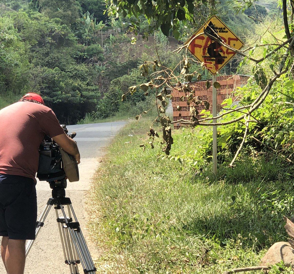 """🎞 Territorios  marcados por """"los dueños"""" equipo de reportería #noticiascaracol 🎬"""