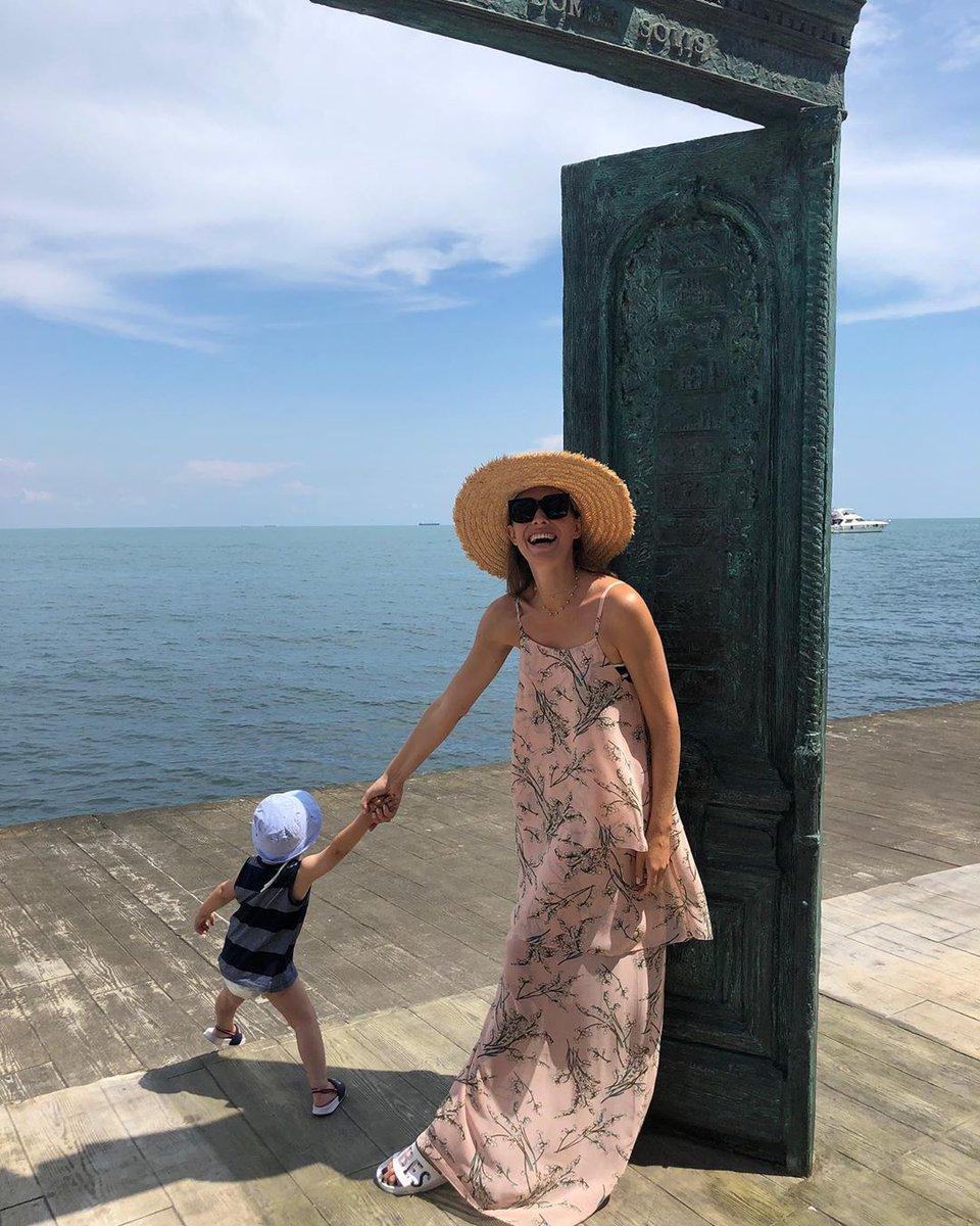 Катя Осадчая с сыном в Одессе