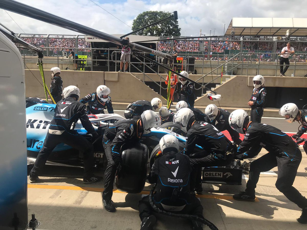 #RK88 pits for the hard tyre during the safety car period.