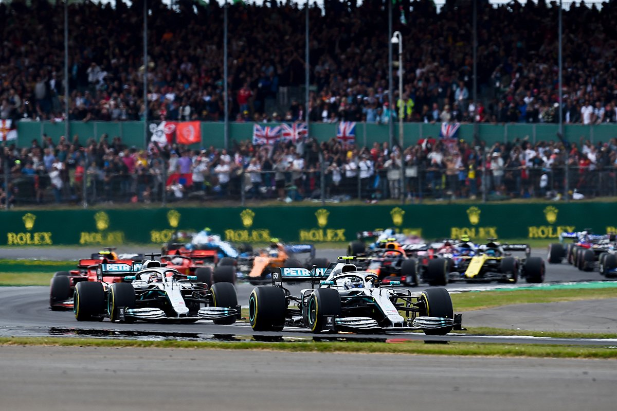 Safety car coming in. We know that @ValtteriBottas needs to stop again. Everyone else can theoretically go to the end – but will they? #BritishGP
