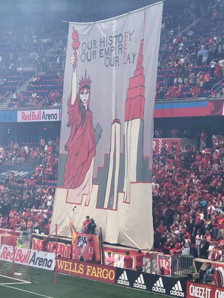 Also from 2018, #RBNY  fans unveiled this tifo featuring several iconic NY images.<br>http://pic.twitter.com/28DnT205U7