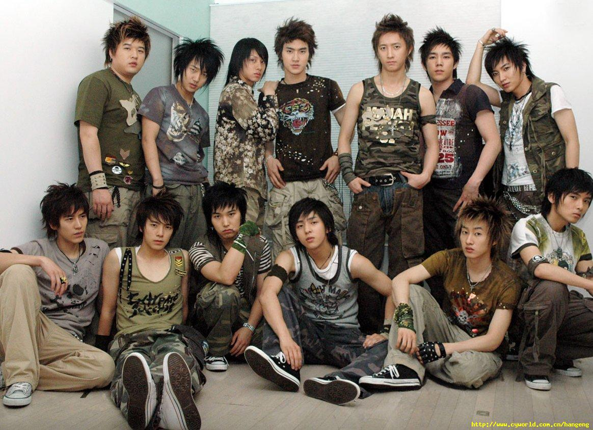 Congratulations on your 5000th day since debut, Super Junior!   It was not an easy road to reach the 5000th day, but the journey is full of meaningful days. For those 5000 days we are super proud to call ourselves Super Junior's ELF!   #슈주_5000일_다_죽여<br>http://pic.twitter.com/Nrpbs2Id3t