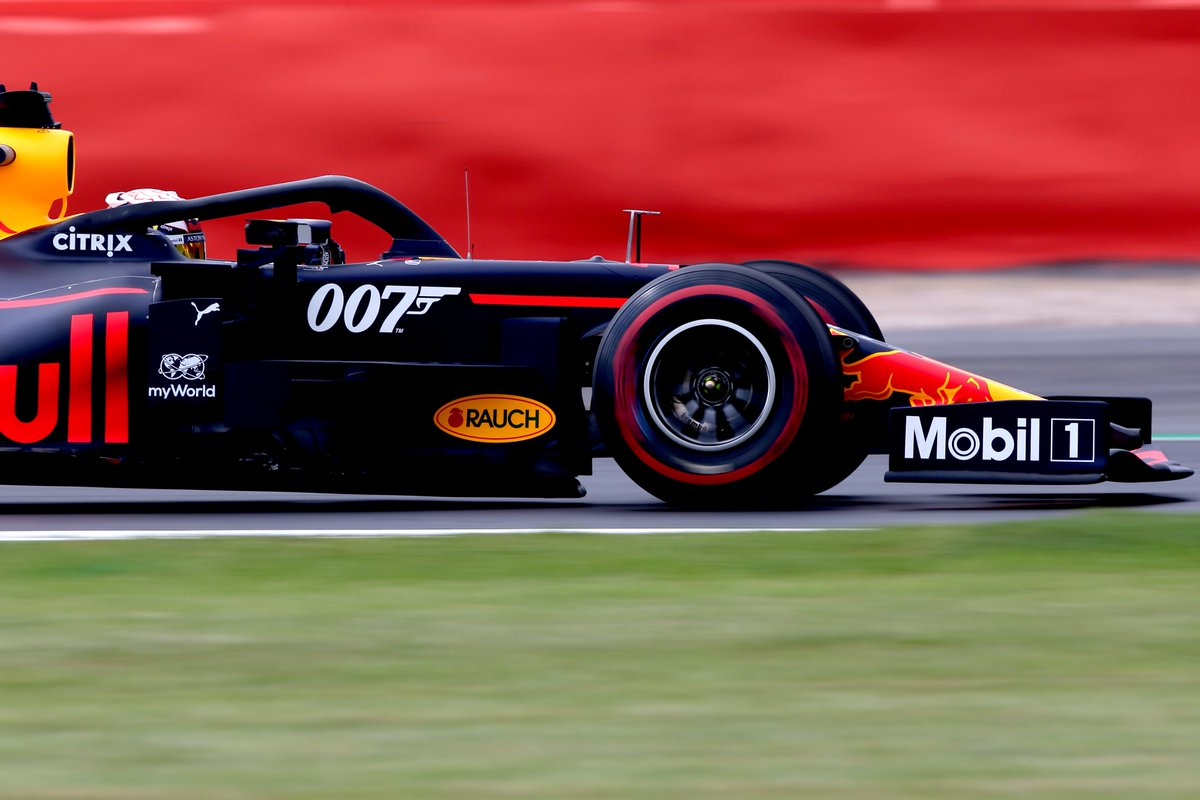 """""""Be careful, 007, it's just had a new coat of paint!"""" Q  #BritishGP #F1007 #LICENCETOTHRILL"""