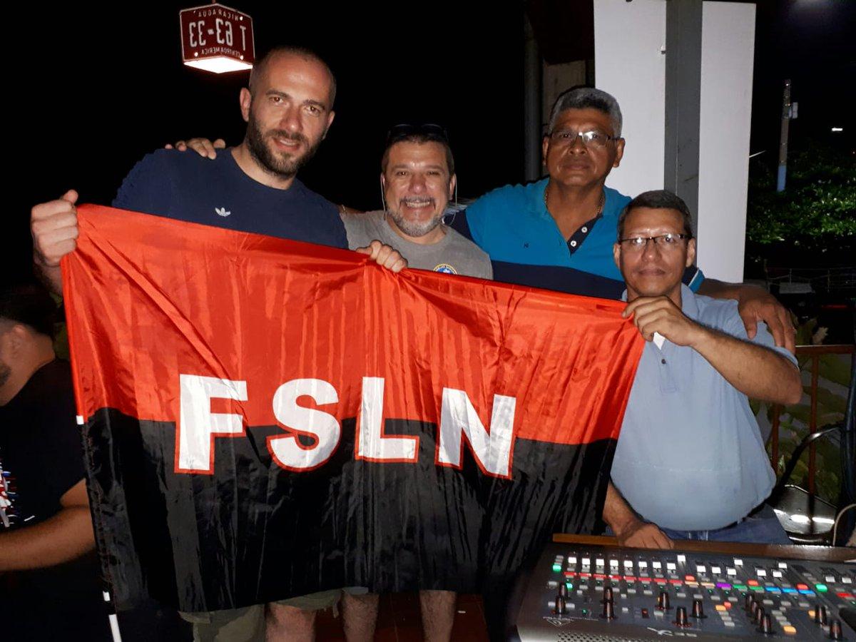 El vicenpresidente Marcos Papacci de asociación amigos Italia Cuba en Nicaragua con compañeros de la Asociación Amigos de Cuba Nicaragua. Viva la Solidaridad con Cuba.