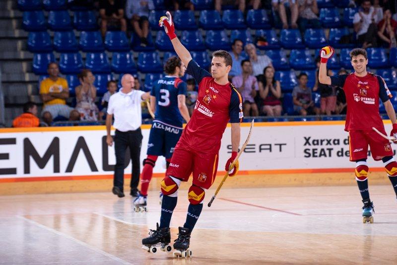 🥅 #rinkhockey 🥅  France 🇫🇷 vs Spain 🇪🇸 0-5 and Spain gets the bronze medal 🥉. Results and standings: http://www.rinkhockey.wrg2019.com   📸 @catmarzia #worldskate #WRG2019 #WorldRollerGames #Barcelona2019 #skateaddicted #everybodyloveswheels @wrgbarcelona