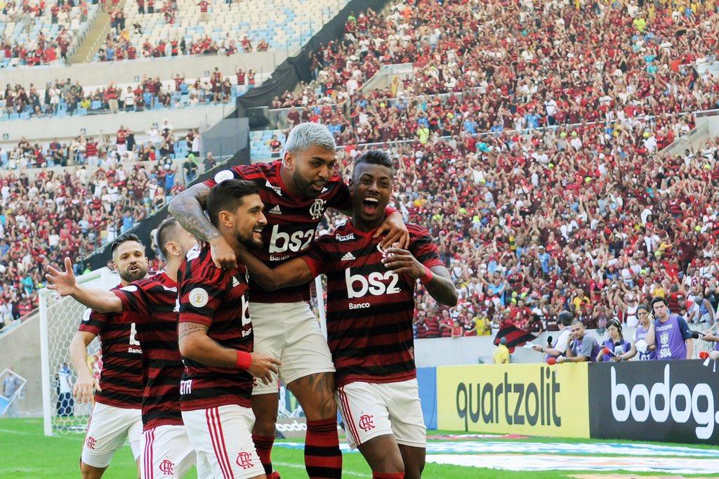Trio de ferro do Mengão conseguiu marcar mais vezes do que 17 equipes no Brasileirão