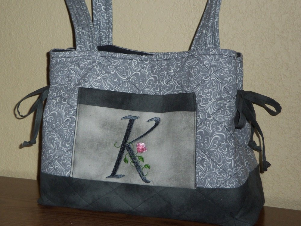 "Thanks for the kind words! ★★★★★ ""just as pictured very pleased with purchase"" cioneb1  https:// etsy.me/2JxROVB      #etsy #bagsandpurses #gray #birthday #mothersday #elegantfloralfont #personalizedtote #bowtuckstotebag #monogrammedtotebag #initialtotebag<br>http://pic.twitter.com/8uJoph3GWg"