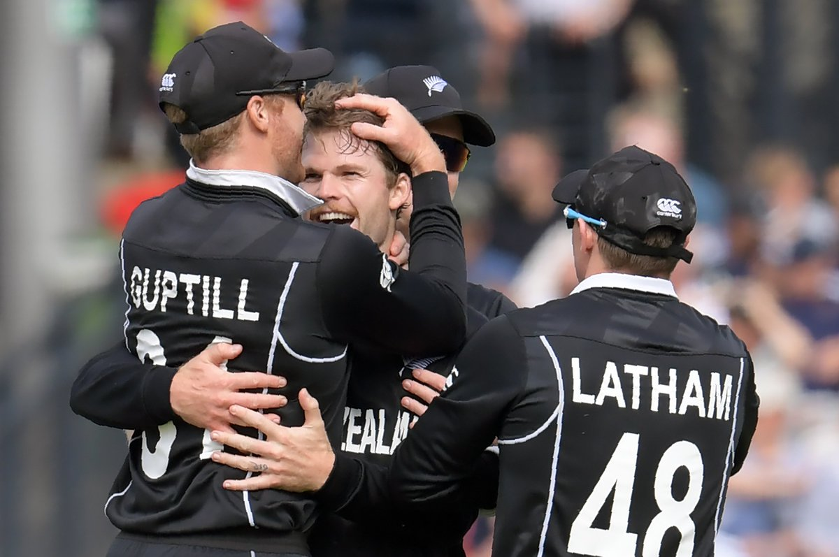 England captain Morgan is out! Lockie Ferguson takes a stunning low catch - Neesham strikes with his first ball!  England in a definite spot of trouble on 86/4.  Ball-by-ball: http://es.pn/NZvENG Live report: http://es.pn/NZvENGLR   #NZvENG | #CWC19Final