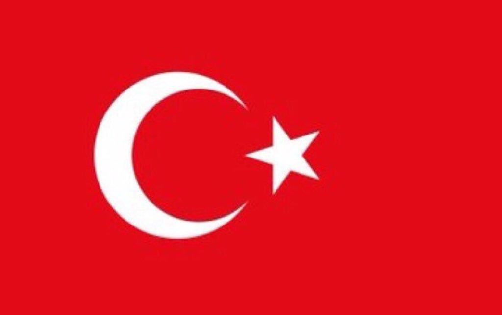 Hakkari'de 3 kahraman askerimiz şehit oldu. 1 Mehmetçiğimiz yaralı.  Şehitlerimize Allah'tan rahmet, yaralı askerimize acil şifalar diliyorum.  Başımız sağ olsun, Vatan sağ olsun.