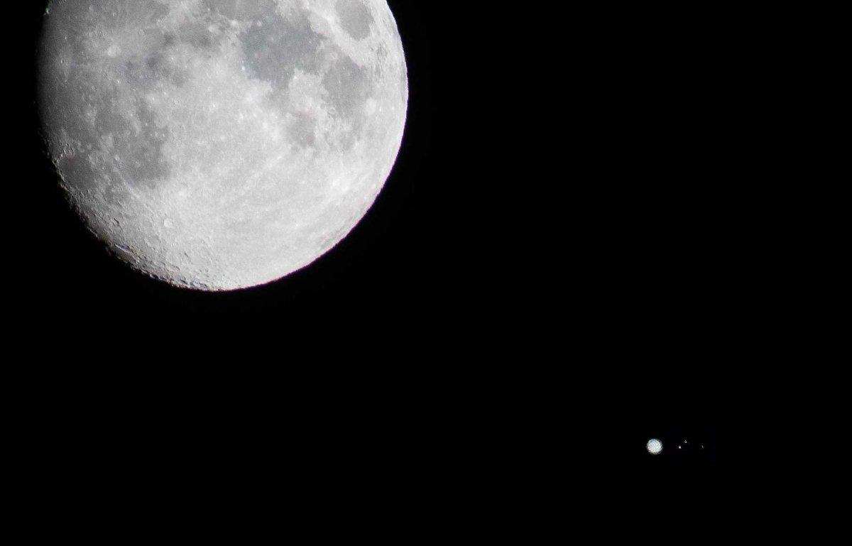 ganymede auroral belt shifting - HD1199×769