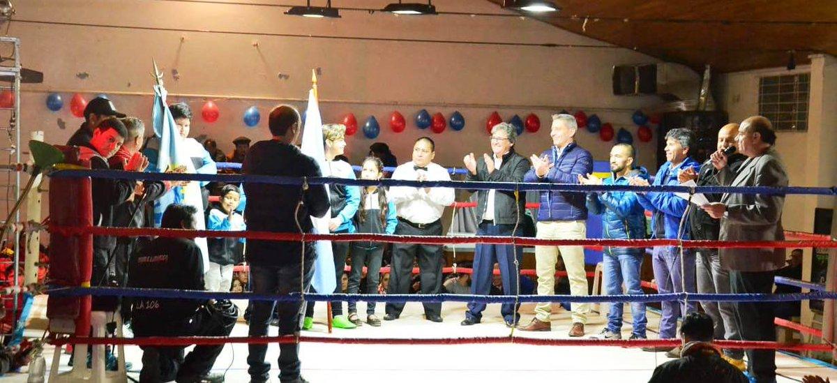 #RicardoRojas   El gobernador @arcionimariano celebró la realización de un espectáculo de boxeo por primera vez en una Comuna Rural. Más detalles 👉https://bit.ly/2JwYvas #ChubutGanaSiEstamosTodos