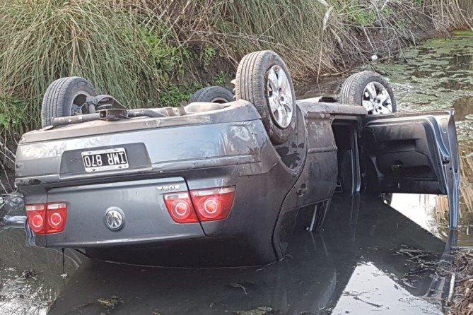 #Región | Importante vuelco camino a Metileo: fueron hospitalizados cuatro mujeres y un menor de edad