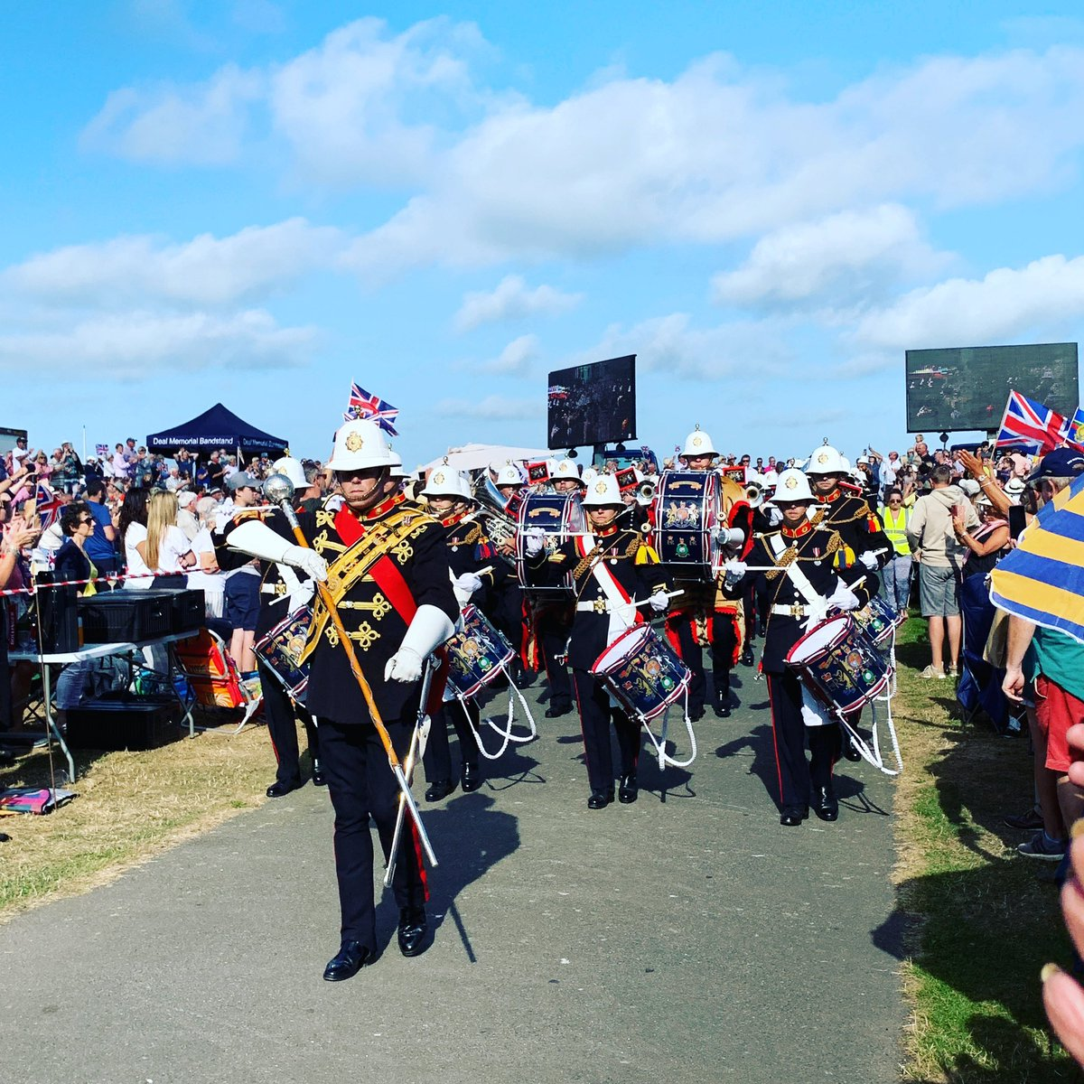 We hope you enjoyed today's Memorial Concert @RMBandService @DealBandstand - we had a fantastic afternoon #dealbandstand #wewillrememberthem <br>http://pic.twitter.com/nI2Mis6Gdx