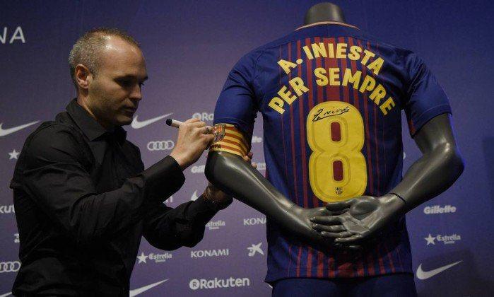 O primeiro jogador da história do Barça a ter um contrato vitalício. Iniesta e Barcelona, para sempre um só.