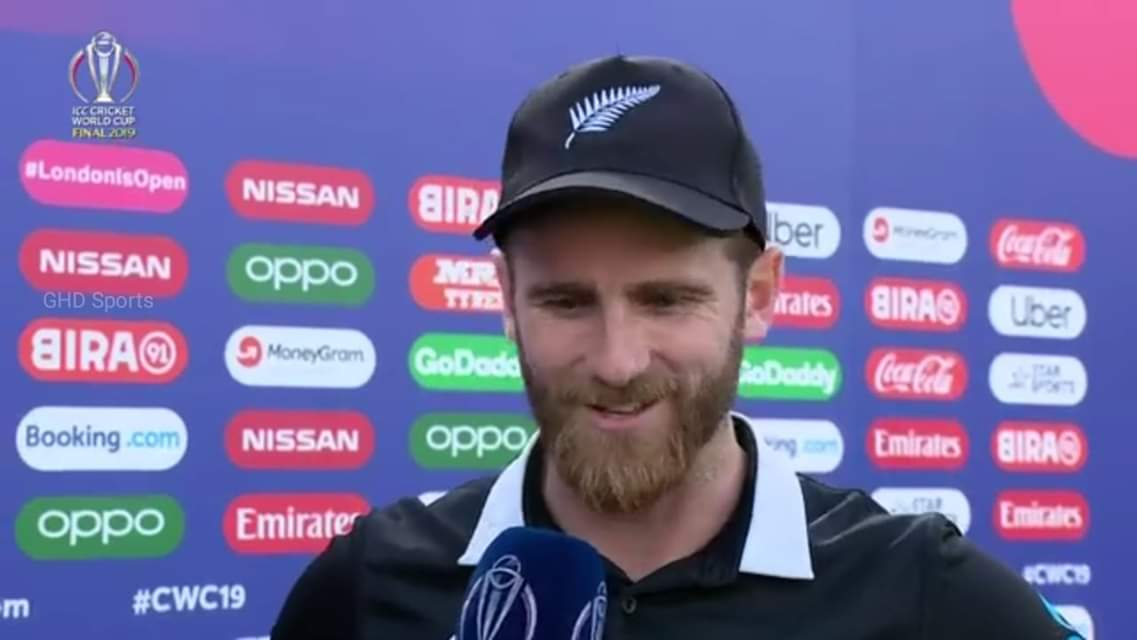 Seems like #KaneWilliamson is slightly more cooler than MS Dhoni... <br>http://pic.twitter.com/2YpMUnSuPC