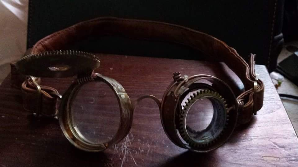 Currently working on more steampunk stuff like this. I like to use old brass and copper recycled out of old things. #steampunk #brass #copper #goggles #art #deadkittycreations