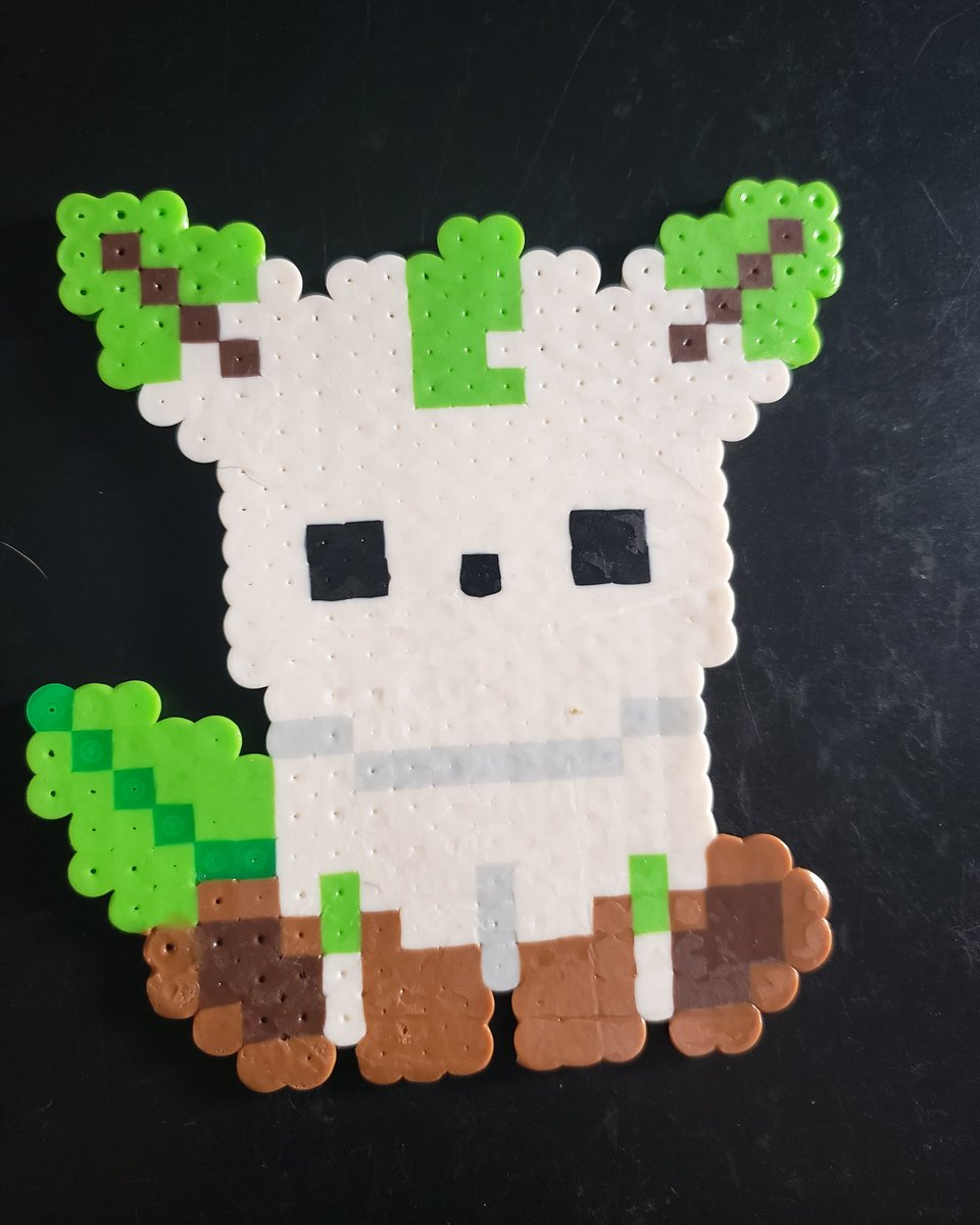 Good morning and happy Sunday! So you all have seen, some EFS that we have had a big #Leafeon perler piece. Well, now we have a small one! This baby is so stinking adorable! #pokemon #pokemongo  #gottacatchthemall #gottacatchthemallpokemon #eeveelutionlefeon #grasstypepokemon