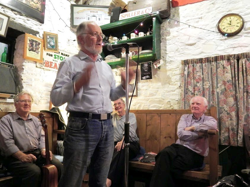 Mark your calendars! We're on the @Corks96FM #Cork Diary now: https://tinyurl.com/y223t2wj Come along this Thursday 18th July at 8 pm in Crawford & Co for the best in #storytelling with special guest Liam Cunningham.
