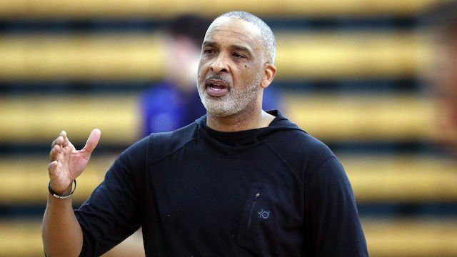 BREAKING: Lakers reportedly hiring Phil Handy as assistant coach to Frank Vogel.  Written by: @DanDuangdao. https://www.lakersnation.com/lakers-coaching-rumors-phil-handy-hired-as-assistant-coach-to-frank-vogel/2019/07/14/…