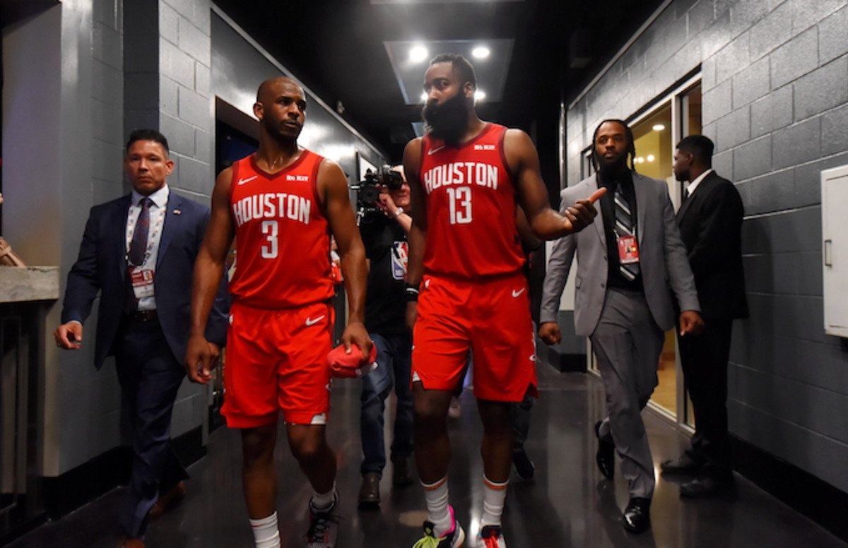 James Harden and Chris Paul argued about 'spacing,' reports @WindhorstESPN: cmplx.co/pbSJIwW