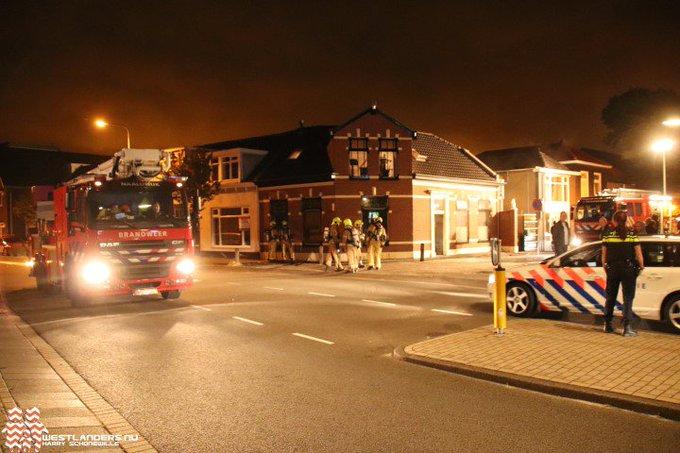 Gewonden en veel schade bij brand Naaldwijkseweg https://t.co/C06p53JFrT https://t.co/OiUGAh18LU
