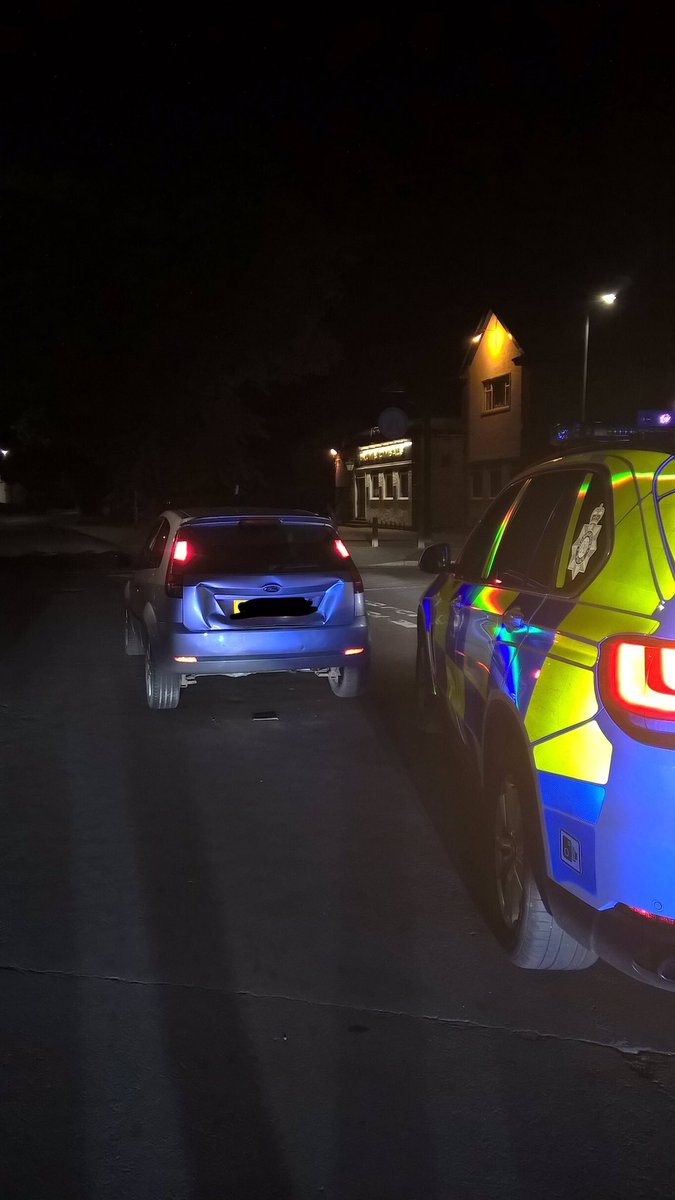 Pursuit, Hull ending up with subject reverse ramming the Police vehicle on Sibelius Road. Tactical contact made to prevent any further pursuit. Driver didn't run fast enough and was arrested by officers. Turns out he's a disqualified driver, in breach of bail and wanted 🤦🏻♂️#832