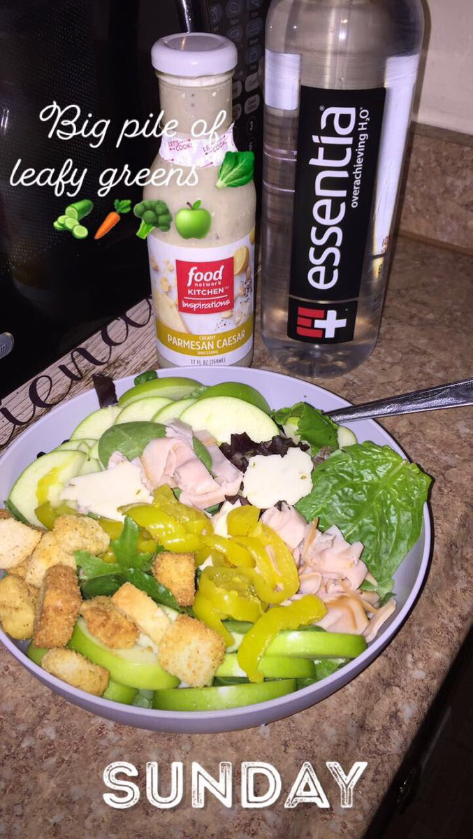 Healthy #greens #salads #spinach & #essentiawater 💦 https://t.co/B3szEOSlH2