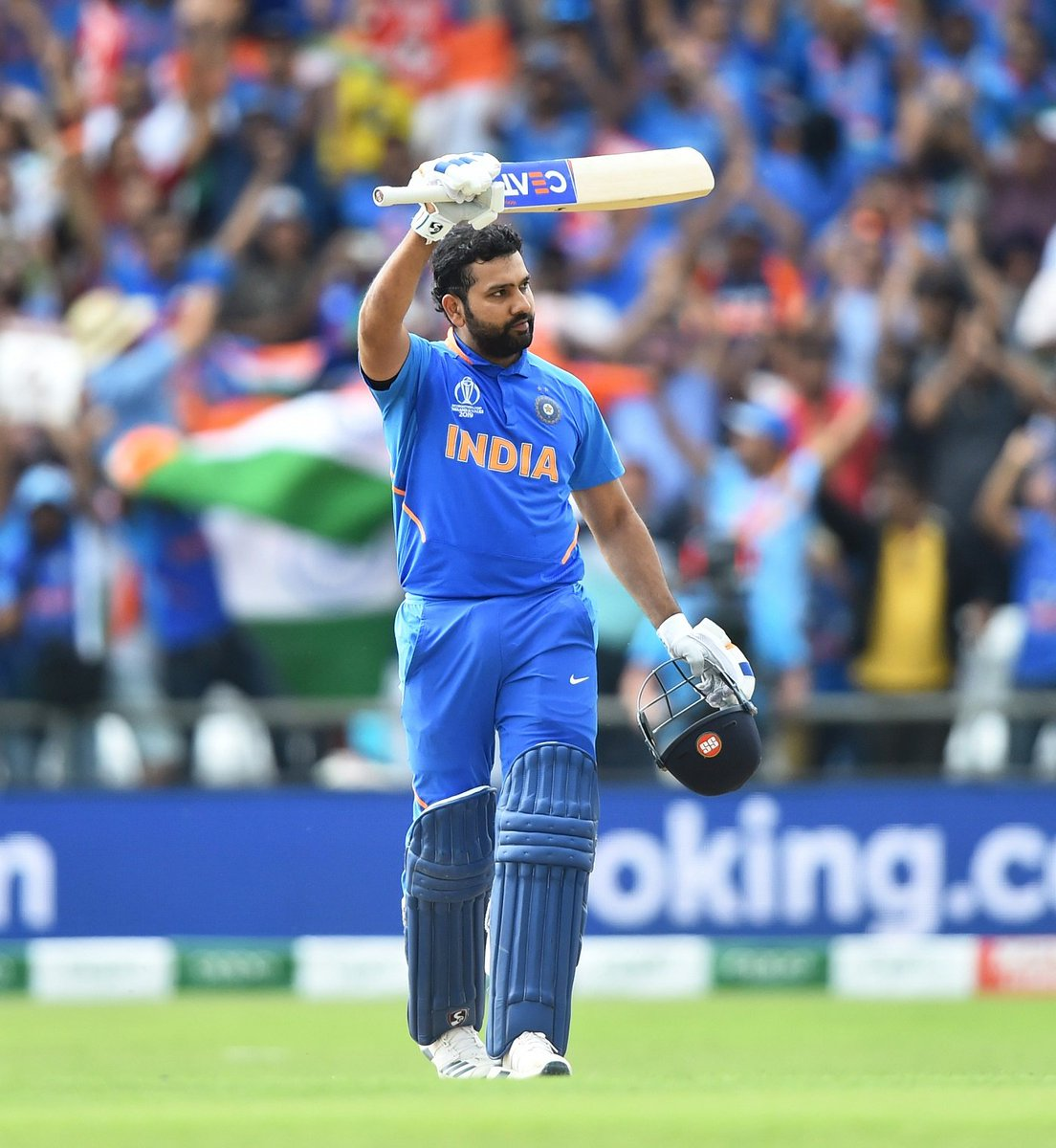#RohitSharma in This World Cup : Runs- 648 HS - 140 100s - 5 50s - 1 Six - 14 Four - 67 Avg - 81.00 MOM - 4 #Hitman #TeamIndia #CWC19 @ImRo45 @BCCI @cricketworldcup