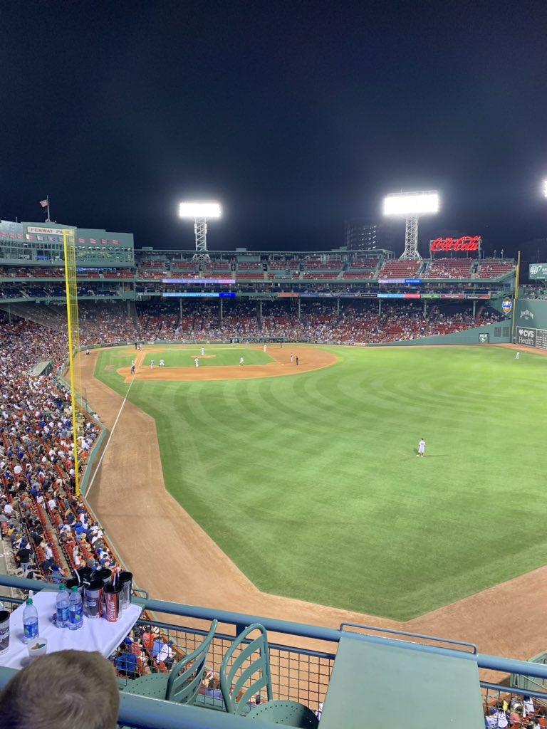 @reddusfoximus @Dodgers @RedSox @rogerfederer @DjokerNole @Wimbledon And I'm still here!